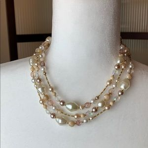 Multi-Tone Pearl necklace
